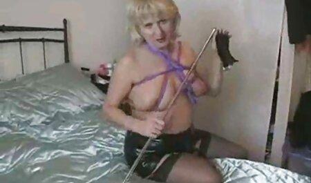 La delgada pelirroja Jenna Justine se peliculas gratis eroticas xxx inclina para BBC