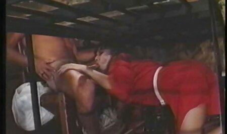 Kayla Jane Danger bideos pornos completos interpreta a la buena esposa con Allie Eve Knox
