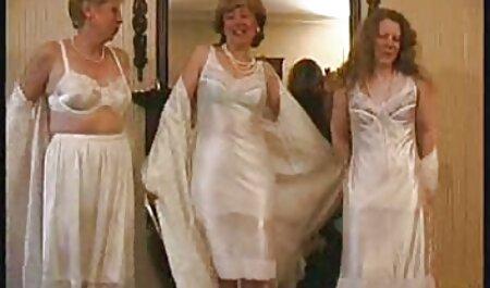 Cornudo no puede evitar que su novia sexmex completos venda su cuerpo muy caliente