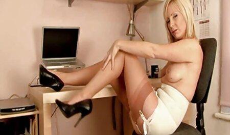 Lucky cameraman recibe peliculas eroticas completas xxx una mamada de dos bellezas asiáticas