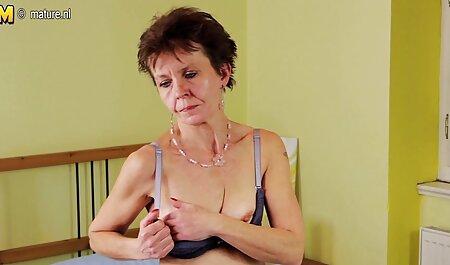 Magnífica chica se peliculas porno sub español traga una polla y se la follan en la oficina